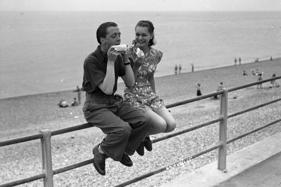 Richard Attenborough , Carol Marsh, Brighton Beach