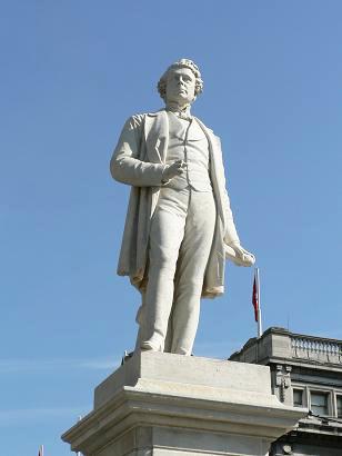 Statue of Sir John Gray