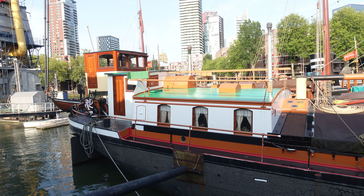 Rotterdam Old Harbour boat